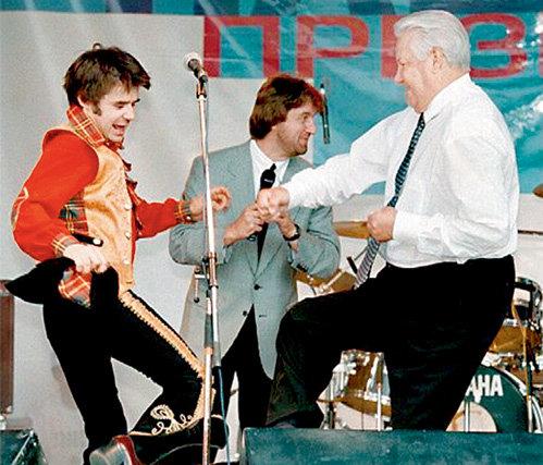 Предвыборная кампания 1996 года получилась яркой и запоминающейся - над пляшущим президентом потешался весь мир