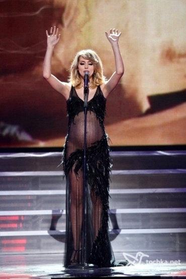 Голые без трусов в прозрачных платьях на сцене онлайн видео фото 413-673