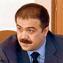 Олигарх Искандер МАХМУДОВ, занимающий 11-ю строчку в списке «Forbes», по слухам, выделил на раскрутку Григория $1 млн.