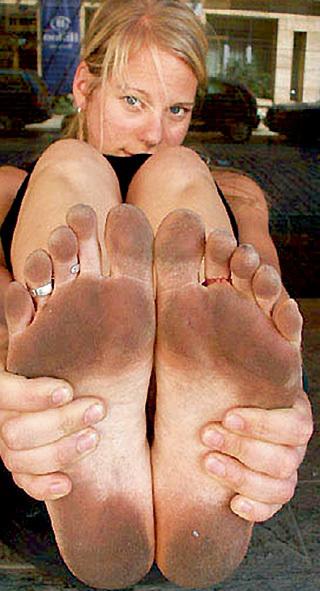 Девушки фото голые ступни ног пятки
