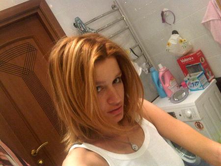 Без макияжа Ксения БОРОДИНА выглядит как тинейджер