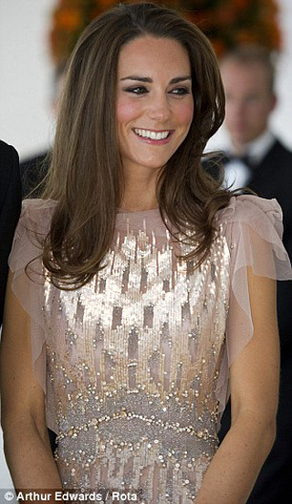Кейт МИДЛЛТОН сразила всех наповал своим платьем