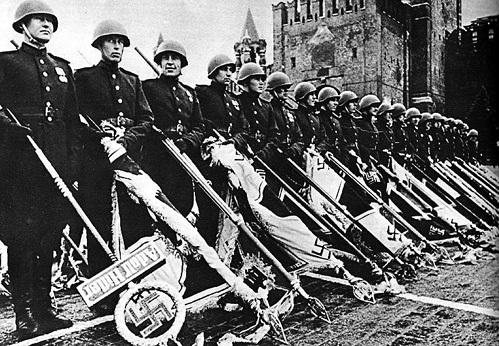 В 1945-м вряд ли кто осмелился бы приуменьшить роль нашей армии в победе над нацизмом