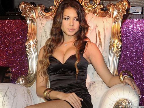 22.06.2011 - Алина Кабаева самая сексуальная женщина политик в мире.