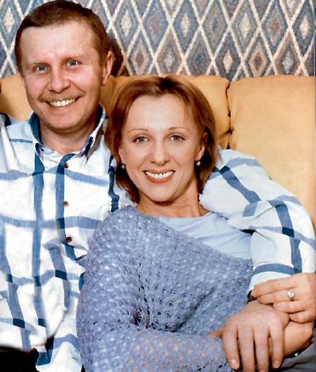 Валерий ШАЛЬНЫХ, муж Елены и коллега по сцене, очень за неё переживает