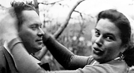Лев ЛЕЩЕНКО как-то сказал про супругу ЛЮБИМОВА, балерину Ольгу: «Это была в высшей степени своенравная и экспансивная особа» (на фото с дирижёром Юрием СИЛАНТЬЕВЫМ, к которому она ушла от Юрия Петровича)