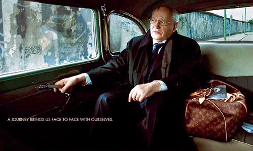 Продажный генсек ГОРБАЧЁВ рекламирует сумки Louis Vuitton. И ни о чём не жалеет
