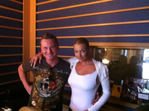 Анастасия ВОЛОЧКОВА записала свой новый хит вместе с певцом Александром ЯКОВЛЕВЫМ