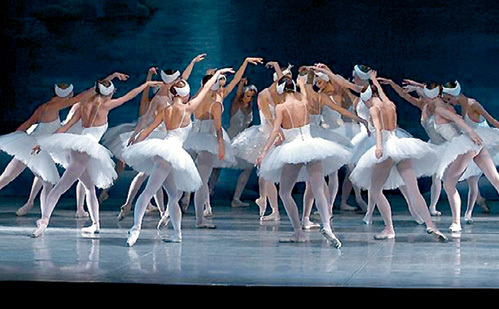...гоняя по ящику балет