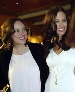 Анджелина Джоли: В 14 лет мать разрешила мне жить ... анджелина джоли как сейчас живёт