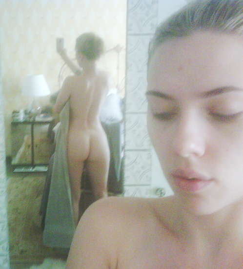 Красавица Скарлетт фотографировала себя для любимого мужчины. Вот только для какого - Шона Пенна или Райана Рейнольдса? Фото: wwtdd.com