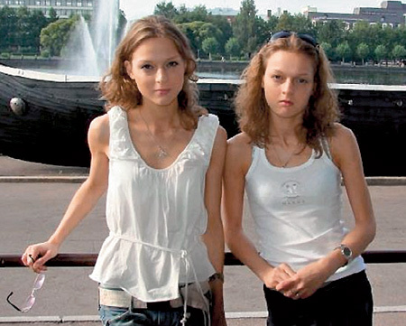 Дочери Даша и Катя продолжили актёрскую династию НОСИКОВ. Фото odnoklassniki.ru
