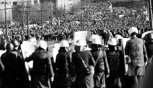 Деятели типа Николая СВАНИДЗЕ пытаются нас уверить в том, что в этих многотысячных митингах участвовали исключительно люди второго сорта, не понимающие своего счастья