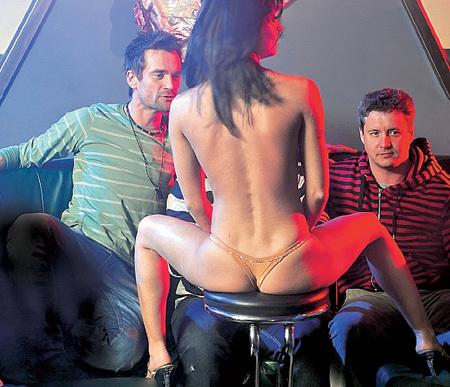 mamochki-porno-foto-z-serialu-svetofor-kachestvo-gruppovogo