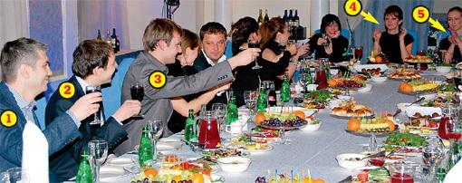 За здоровье МАМЕДОВОЙ и обращение её в православие звёзды сериала от души выпили и закусили