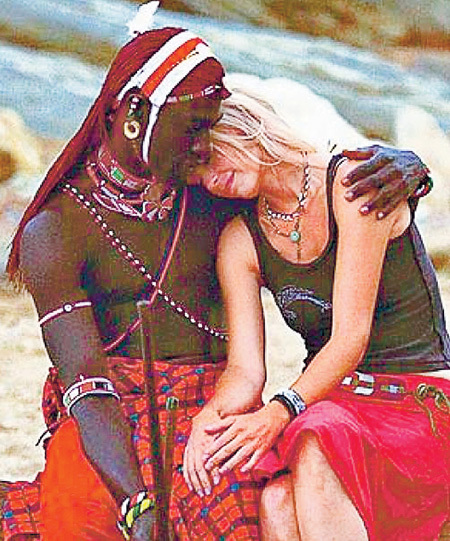 с негритянкой в африке-ыо2