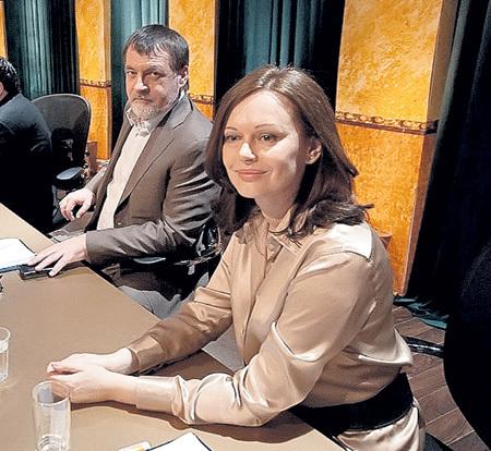 Ирина с Александром ЛИТВИНЫМ практикуют слияние в едином «космосе»