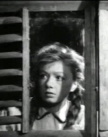 За роль Вали Борц в фильме «Молодая гвардия» Людмила ШАГАЛОВА получила Сталинскую премию.
