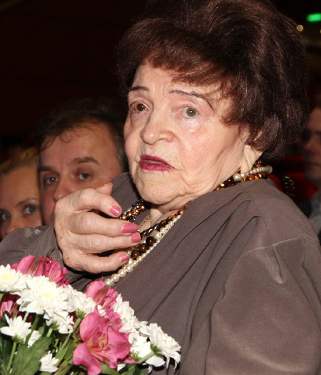 Александр Серов спас мать Александра Барыкина от слепоты