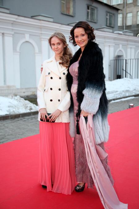 Ольга КАБО с дочерью Татьяной. Фото Ларисы КУДРЯВЦЕВОЙ
