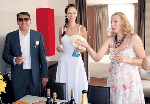 На свадьбе голая невеста