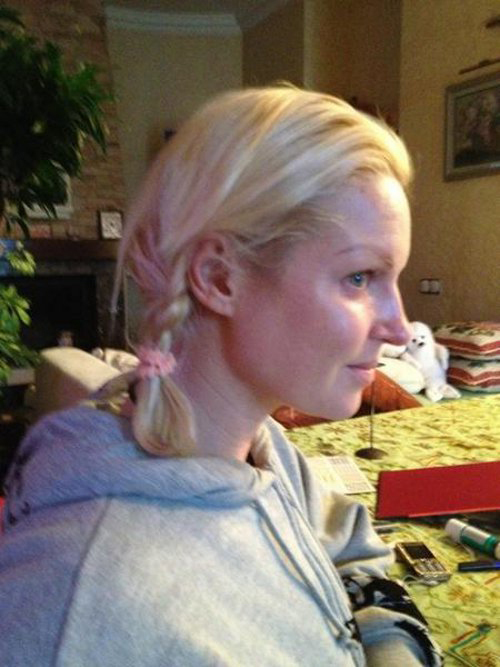 Анастасия ВОЛОЧКОВА выложила в Твиттер свой снимко без макияжа.