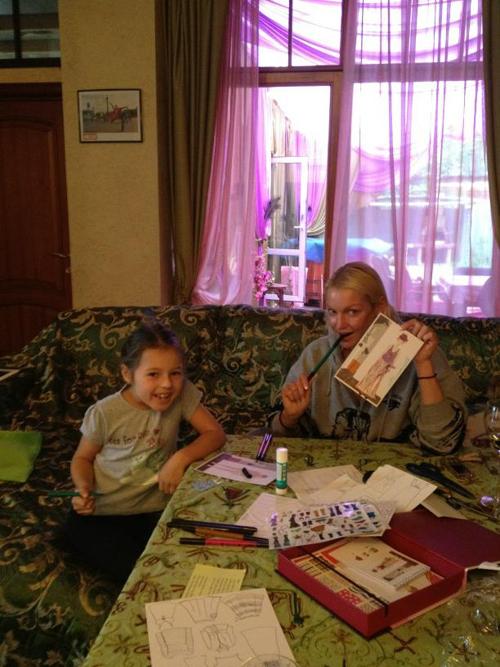 Анастасия с дочкой Аришей (фото из Твиттера балерины).