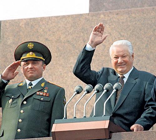 За восемь месяцев до смерти Герой Советского Союза, изменивший присяге, впервые сказал: «ЕЛЬЦИН всех нас предал!»
