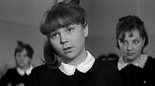В ленте «Доживем до понедельника» Людмила сыграла Надю Огарышеву
