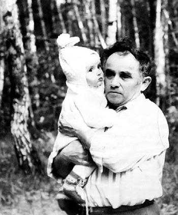 Леонид Леонидович обожал внука Максимку