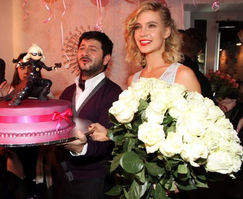 Наталья Ионова  пришла на вечеринку в трусах (фото)