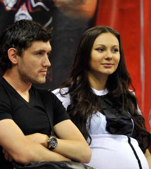 Жена Юрия ЖИРКОВА Инна может стать телезвездой. Фото: РИА «Новости»