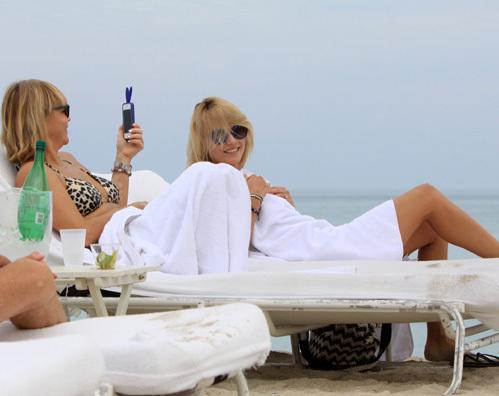 Наташа ПОЛИ с мамой на пляже Майами