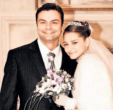 Свадьбу с Алексеем ФАДДЕЕВЫМ Глаша сыграла в 2005 году. Фото: vk.com