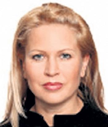 Евгения ВАСИЛЬЕВА, как Остап Бендер, не любила фотографироваться. Даже следователи, которые отправились обыскивать её квартиру, не сразу отыскали снимок самой богатой дамы Минобороны