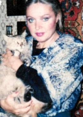 Красавица Иветта КВАЧАДЗЕ не имела детей и родных, поэтому оставила всё нажитое трём подругам и кошке Барби