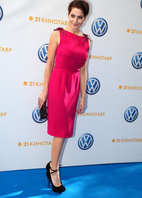 Второе место рейтинга получила актриса Юлия СНИГИРЬ (фото Ларисы КУДРЯВЦЕВОЙ)
