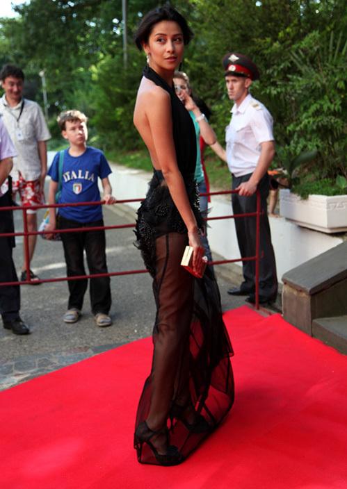 На пятом месте - красавица Равшана КУРКОВА (фото Ларисы КУДРЯВЦЕВОЙ)