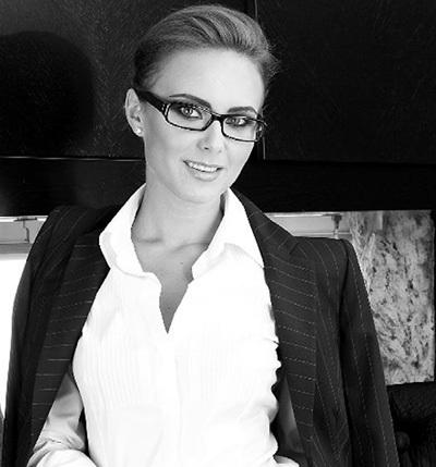 Чёрно-белые фотографии ЧУБКИНОЙ лишь подчёркивают её привлекательность