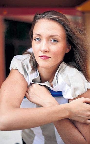 Ольга СТАШКЕВИЧ не хочет вспоминать о романе с Евгением. Фото: kino-teatr.ru