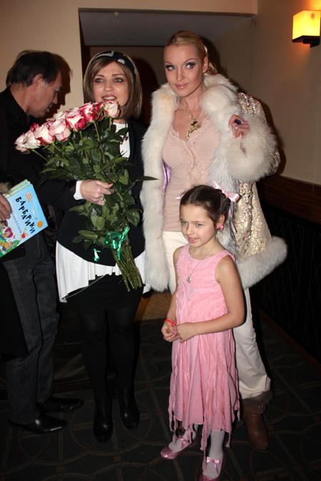 ЛЮБАША, Анастасия ВОЛОЧКОВА с дочкой Ариадной