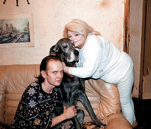 Дмитрий, единственный сын актрисы, погиб в 2002 году (фото 2001-го года)