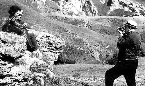 Как чекист, Юрий Владимирович и на отдыхе снимает и вербует. На этот раз Раису и Михаила ГОРБАЧЁВЫХ на Кавказе. 1976 г. Фото из личного архива Михаила ГОРБАЧЁВА