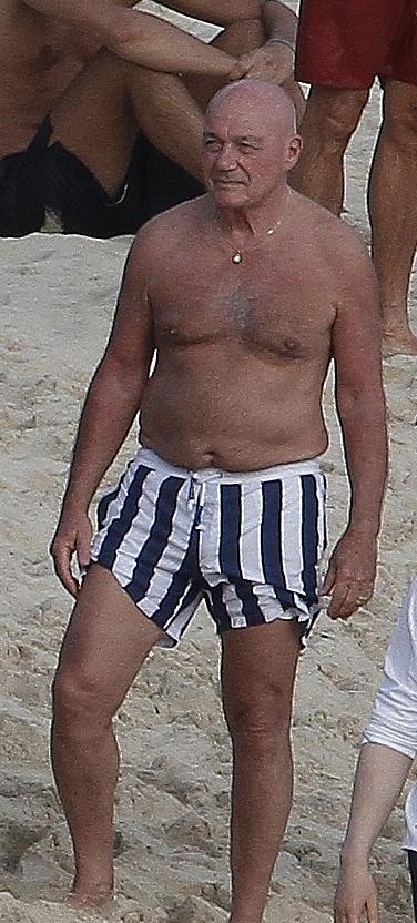 Подтянутой форме 78-летнего Владимир ПОЗНЕРА можно только позавидовать!