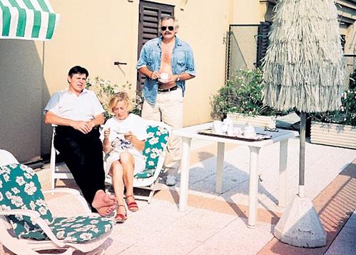 Николай ВАЩИЛИН с женой Наташей и Никитой МИХАЛКОВЫМ в Риме (1989 г.)