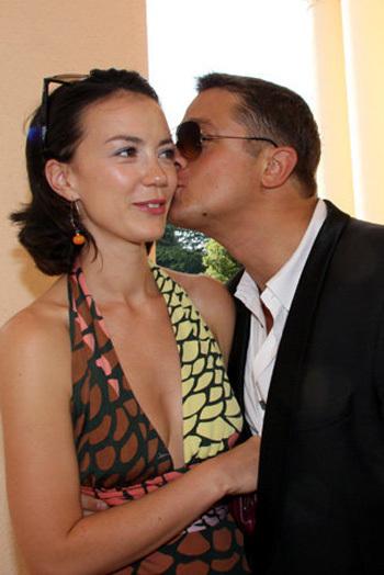Алексей МАКАРОВ с Викторией БОГАТЫРЕВОЙ на «Кинотавре» (фото Ларисы КУДРЯВЦЕВОЙ)