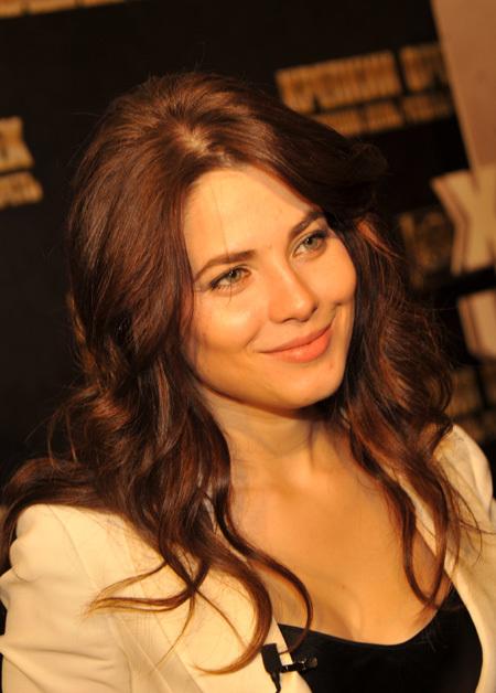 Смотрим и качаем эротические фото и эротическое видео с Юлия Снигирь