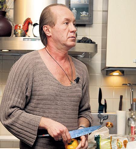 На этой кухне нашли бездыханное тело хозяина квартиры. У него осталось трое детей. Фото: PhotoXPress