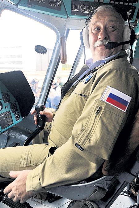 Вероятно, у Леонида Аркадьевича скоро будет больше свободного времени, чтобы сидеть за штурвалом. Фото: «ИТАР-ТАСС»