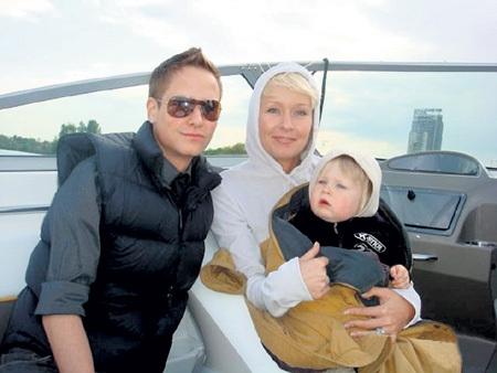 Главная гордость Сергея — сын Антон, дочь Анастасия и внук Степан. Фото: Odnoklassniki.ru